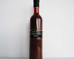 Vinaigre à la pulpe de Cassis